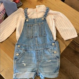 Short overalls with shirt